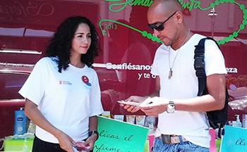 Don Lolo en campaña contra el sida, semana santa 2013