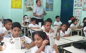 Escolares se benefician de StopVIH