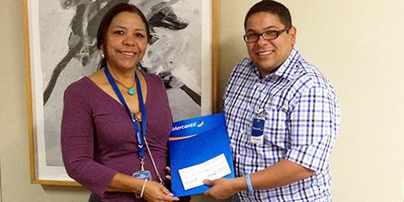 Clariza Carvallo, Fundación Mercantil entrega donativo a Jhonatan Rodríguez, Organización StopVIH